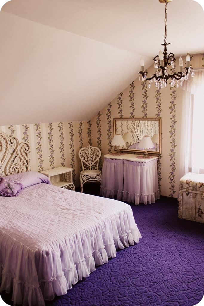http://server.digimetriq.com/wp-content/uploads/2021/01/1609685349_14_20-Amazing-Purple-Bedroom-Ideas.jpg