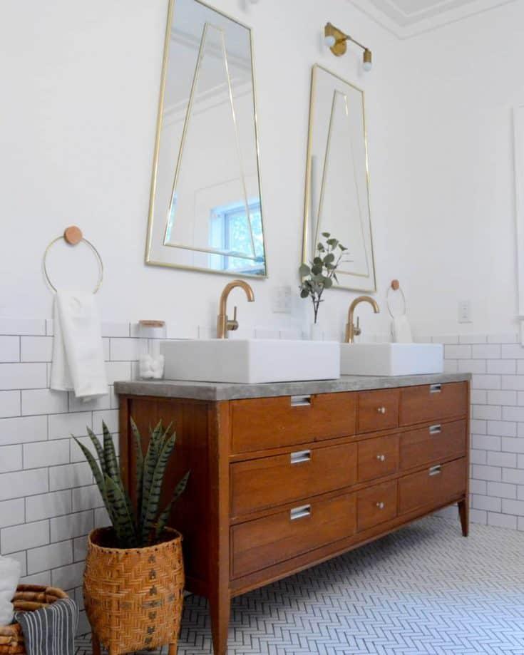http://server.digimetriq.com/wp-content/uploads/2020/12/1609423511_537_20-Mid-century-Modern-Bathroom-Ideas-Simple-but-Beautiful.jpg