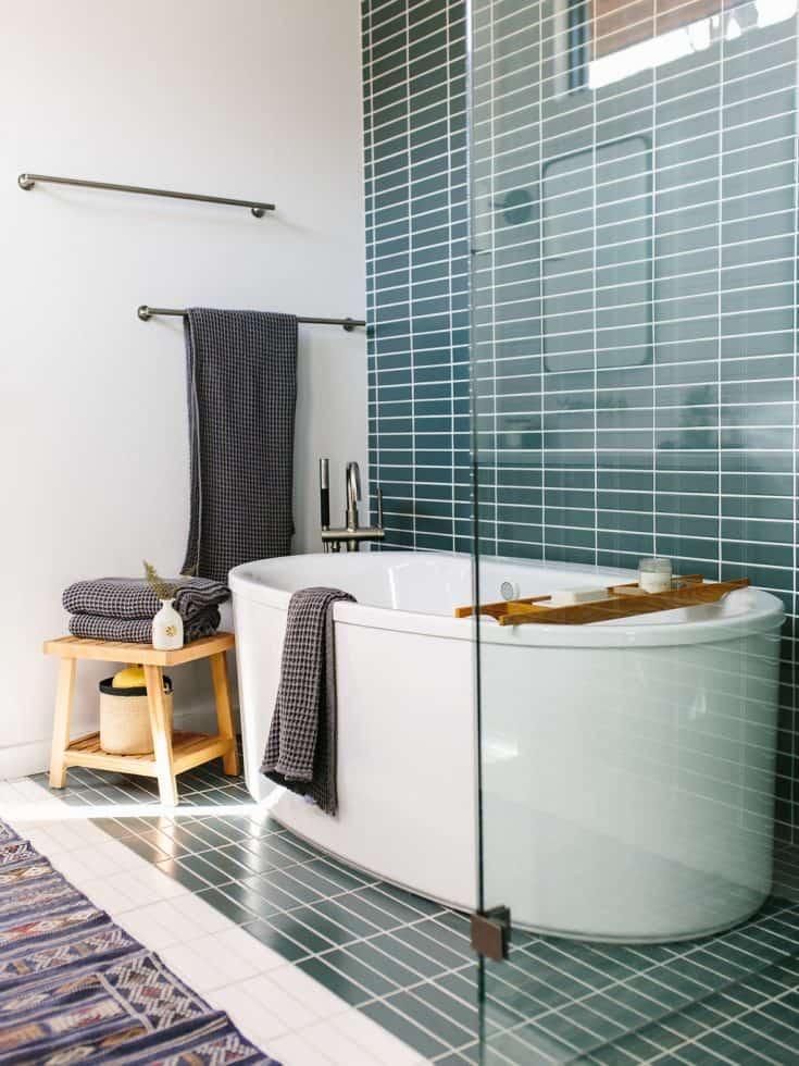 http://server.digimetriq.com/wp-content/uploads/2020/12/1609423511_349_20-Mid-century-Modern-Bathroom-Ideas-Simple-but-Beautiful.jpg