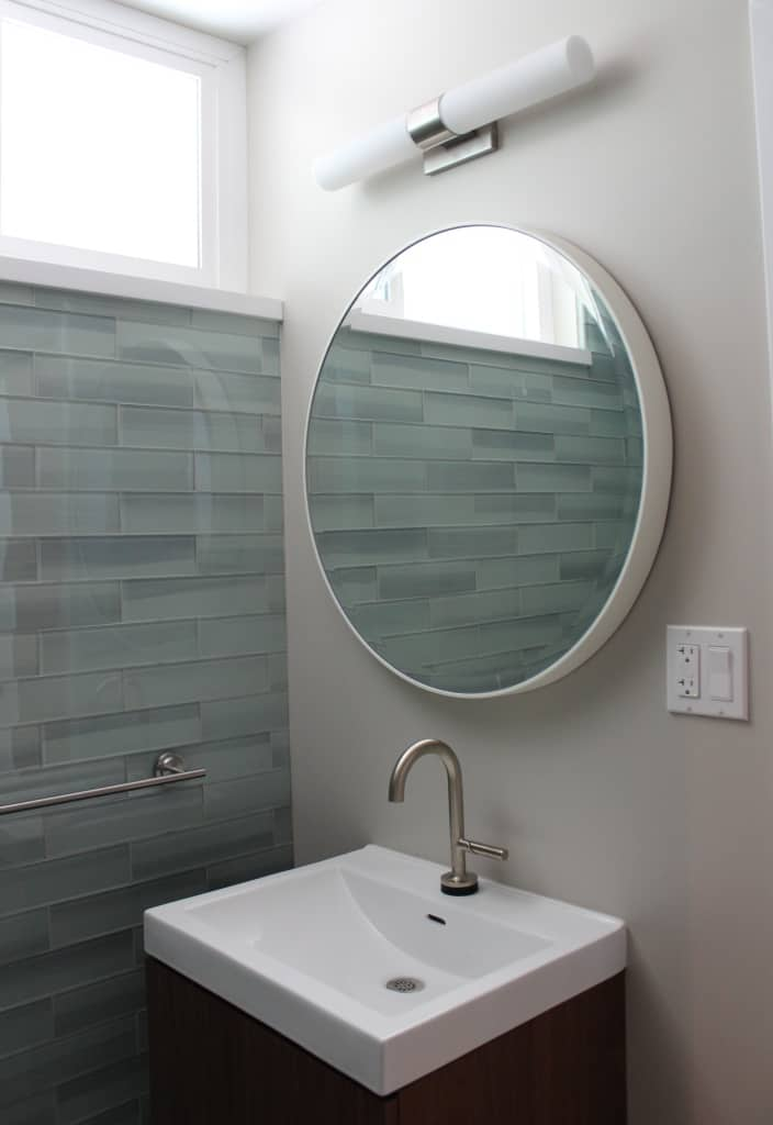 http://server.digimetriq.com/wp-content/uploads/2020/12/1609423512_405_20-Mid-century-Modern-Bathroom-Ideas-Simple-but-Beautiful.jpg