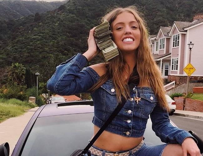 Woah Vicky | Bio, Age, Wiki, Boyfriend, Net Worth, Height, Affair, Instagram |