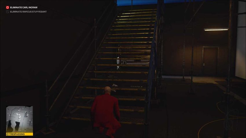 climbing-the-stairs-hitman-3