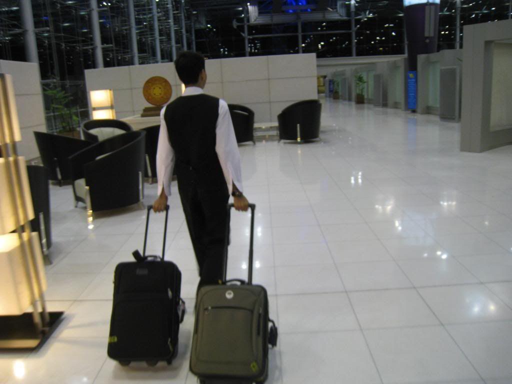 http://server.digimetriq.com/wp-content/uploads/2021/02/Thai-Airways-First-Class-Golf-Carts-And-Spa-Treatments-Will.jpg