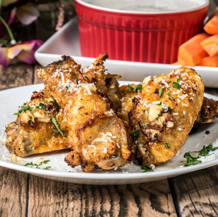 http://server.digimetriq.com/wp-content/uploads/2021/02/1612622772_360_Keto-Garlic-Parmesan-Wings-Air-Fryer.jpg