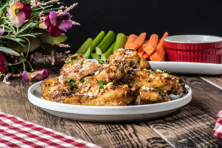 http://server.digimetriq.com/wp-content/uploads/2021/02/1612622780_811_Keto-Garlic-Parmesan-Wings-Air-Fryer.jpg