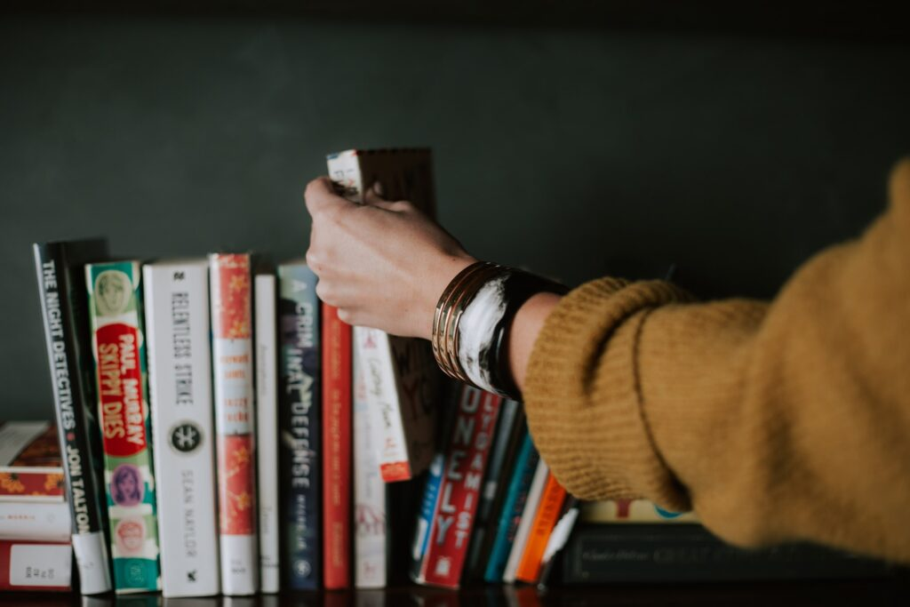 http://server.digimetriq.com/wp-content/uploads/2021/02/1612948215_656_What-are-the-Scientific-Reasons-for-Choosing-Printed-Books.jpg
