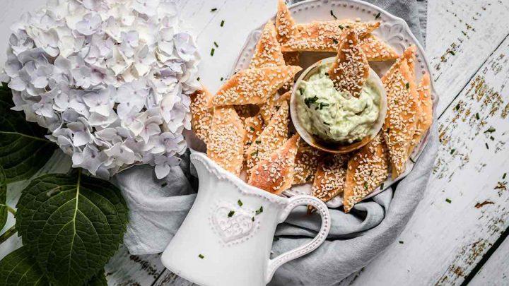 http://server.digimetriq.com/wp-content/uploads/2021/02/1612959551_597_Crispy-Keto-Tortilla-Chips-Gluten-Free.jpg