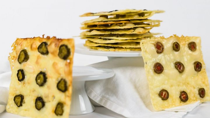 http://server.digimetriq.com/wp-content/uploads/2021/02/1612959561_125_Crispy-Keto-Tortilla-Chips-Gluten-Free.jpg