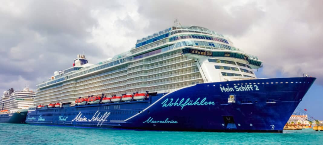 Mein Schiff 2 TUI Cruise Ship