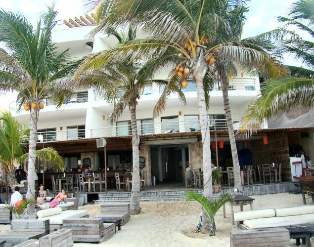 Zenzi in Playa del Carmen